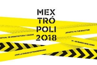 Iñaqui Carnicero lecturing at Mextropoli 2018 in Mexico City
