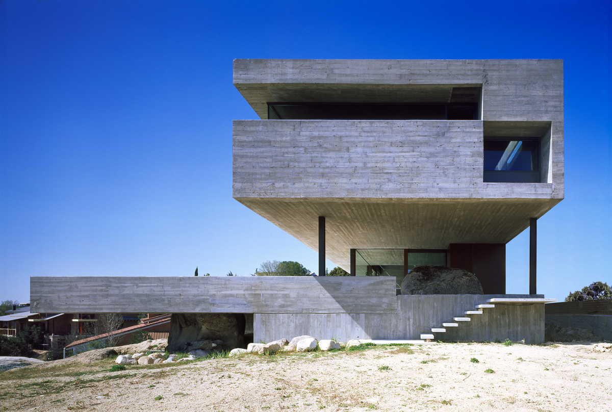 Pitch House, elevation (Herrera del Duque, Spain). Image courtesy of Iñaqui Carnicero.