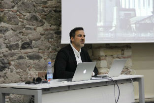 Iñaqui Carnicero lecturing at the Architecture week of Izmir Turkey