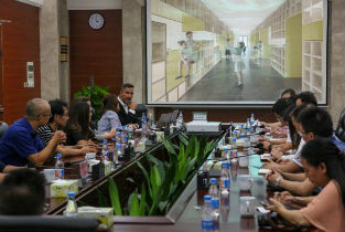 Presentation of Ricastudio to Foshan authorities in China